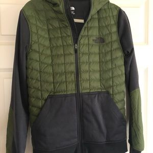 The north face quilted hoodie